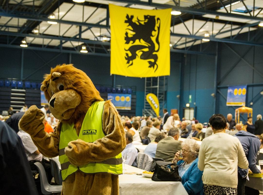 N-VA leeuw aanwezig op het 28ste Vlaams Spitfeest.